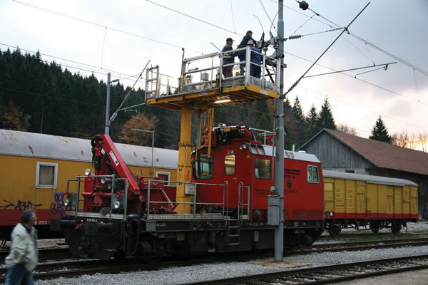 Detail showing works performed on the traction system substitution at Moravice station