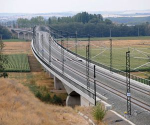 Developing a sustainable Spanish high-speed rail network