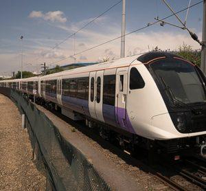 First Elizabeth line train runs on test track