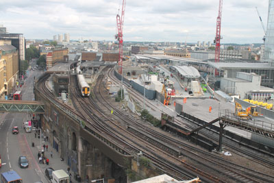 First rails arrive at Borough Viaduct for London Bridge Thameslink Programme