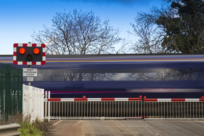 Level crossing deaths drop to lowest level in 20 years