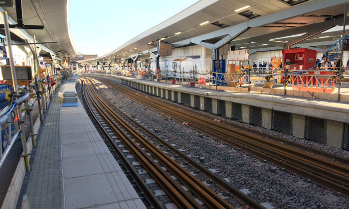 London Bridge final track laid