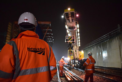 Network Rail awards re-signalling and power upgrade contracts on GWML