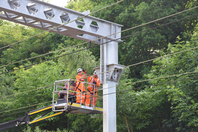 Overhead line upgrade will reduce heat-related delays on key London route