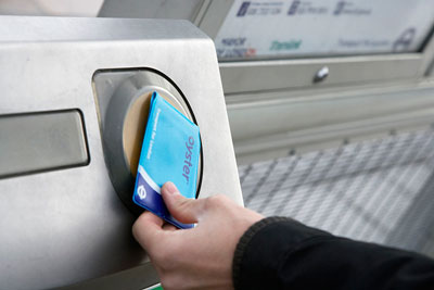 Oyster and contactless pay as you go extended to Gatwick Airport