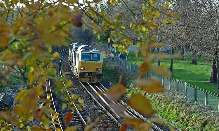 Network Rail awards £800m rail haulage and seasonal services contracts